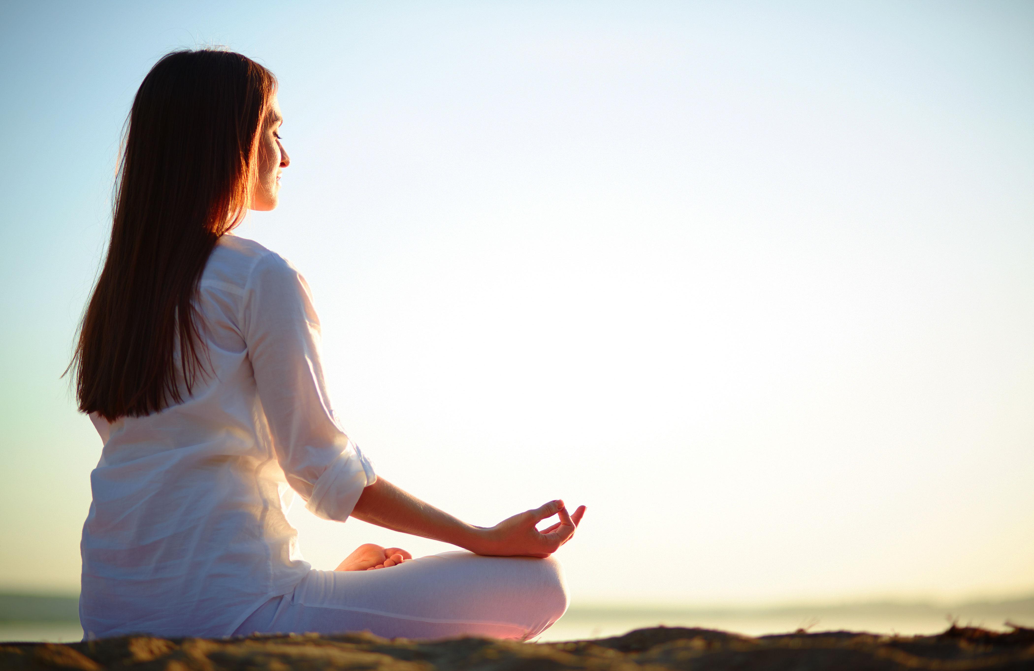 Thư giãn bằng Yoga - xông hơi tại nhà
